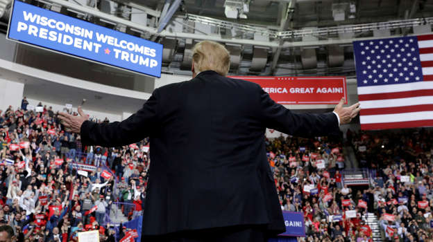 b229d411bbb2 Trump takes swipes at media in rally during correspondents  dinner