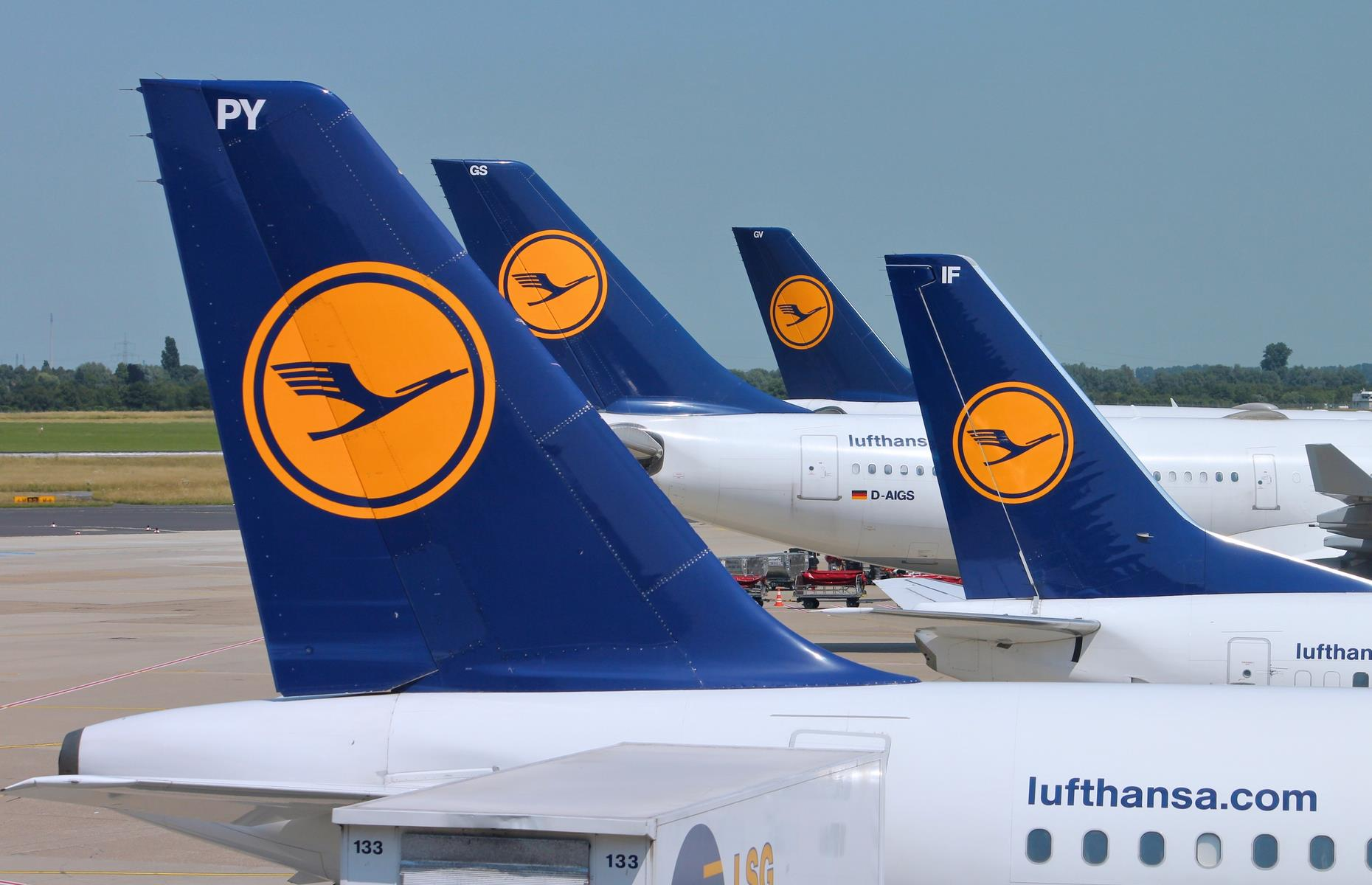Slide 30 of 35: Lufthansa remains the only European carrier with a 5-star ranking from Skytrax, and the only one to crack the top 10of the World Airline Rankings. It was placed at number nine, thanks to its highly-rated customer experience and service.