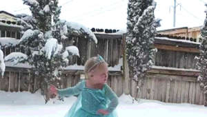 Little girl channels Elsa from 'Frozen' when it finally snows in Texas