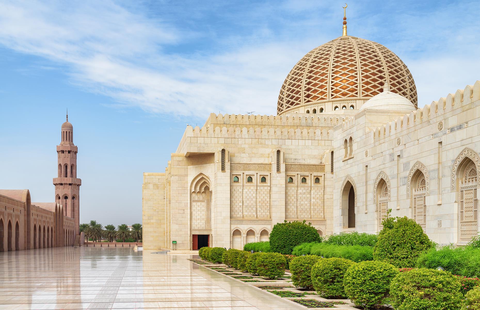 مسجد السلطان قابوس في مدينة مسقط العمانية