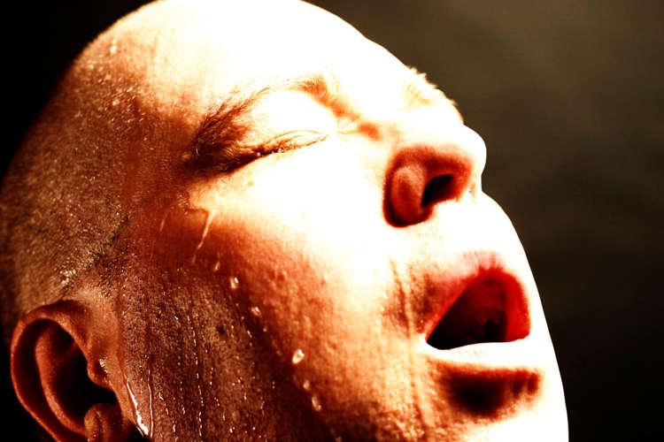vätskebrist symptom njurar