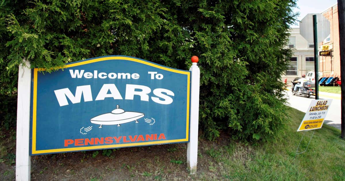 Earthlings, NASA send toast to Martians: Happy New Year!