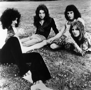 UNSPECIFIED - JANUARY 01: Photo of QUEEN; Posed group portrait (Photo by Gems/Redferns)