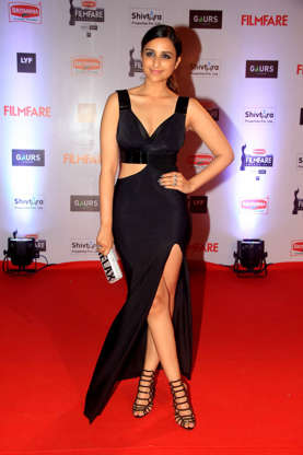 Filmfare Awards 2016: Stars heat up the red carpet