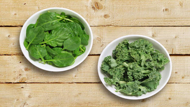 Diapositiva 15 de 30: Spinach, kale, lettuce and collard greens are just some of the dark, leafy vegetables that contain a range of carotenoids such as lutein and zeaxanthin, but also saponins and flavonoids, that mop up free radicals that do the body harm. Studies have revealed carotenoids in greens to inhibit the growth of cancers of the breast, lung, skin and stomach.