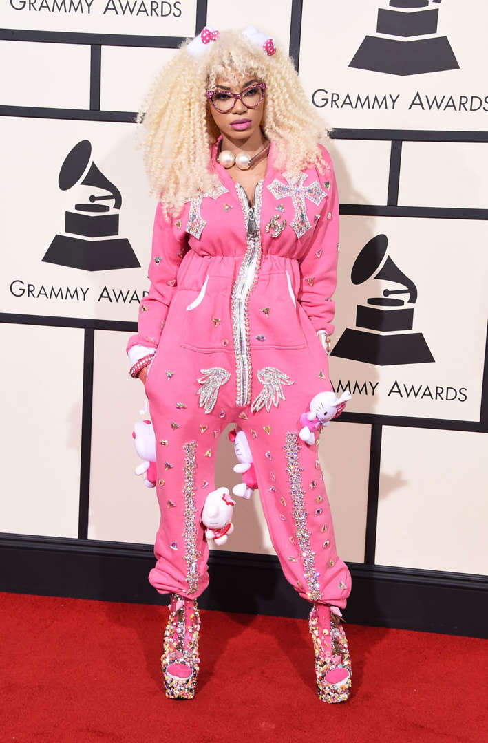 Diapositiva 2 de 11: Singer Dencia attends The 58th GRAMMY Awards at Staples Center on February 15, 2016 in Los Angeles, California.