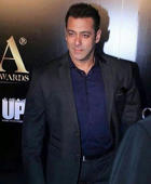 SRK, Salman rehearse for TOIFA; Kareena, Ranveer, Parineeti shine on red carpet: 'Bajrangi Bhaijaan' actor Salman looked handsome as always. He was in Ashley Rebello suit when he walked on the red carpet later in the evening.