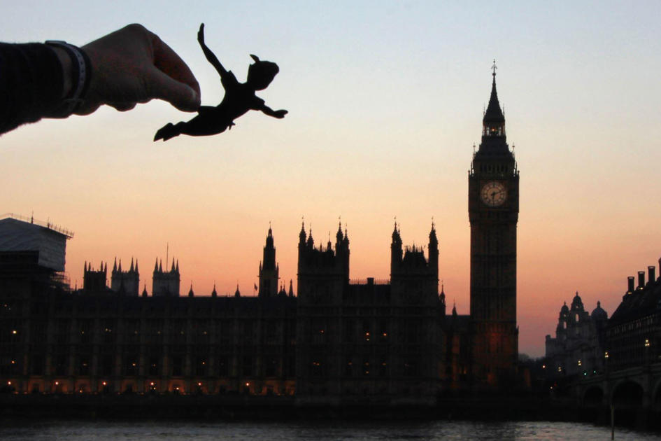 London Instagrammer transforms cities around the UK with paper cut-outs of Disney characters