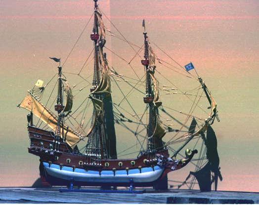 شريحة 9 من 16: كان إدوارد توك ، المعروف باسم Blackbeard ، قراصنة فرنسيين اعتادوا العمل في الساحل الجنوبي الشرقي لأمريكا الشمالية والمكسيك ومنطقة البحر الكاريبي.  كان يدير سفينته الملكة آن ريفينج التي تقع قبالة ساحل ولاية كارولينا الشمالية ، ووفقًا للأسطورة ، تم دفن كل كنزه بالقرب من مكان غرقت سفينته.