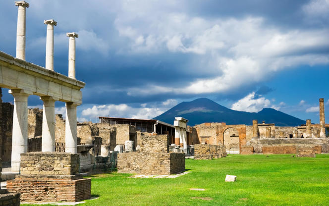 View of a lonliness street in Pompei site