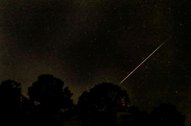 Meteor shower sparks confused fears of plane crash