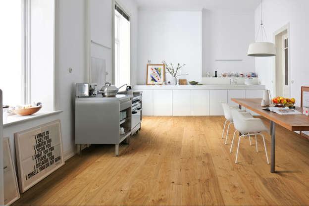 Mit Holz in der Küche die Sinnlichkeit erhöhen