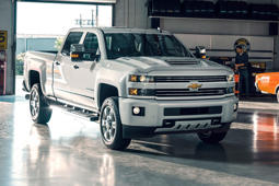 2017 Chevy Silverado HD: Heavy-duty truck struggles to keep up with competition