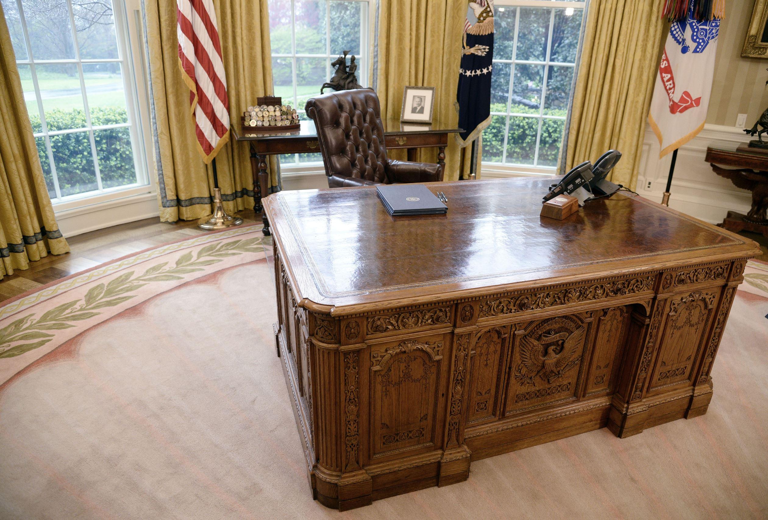 Le président barack obama rencontre le président clinton dans le